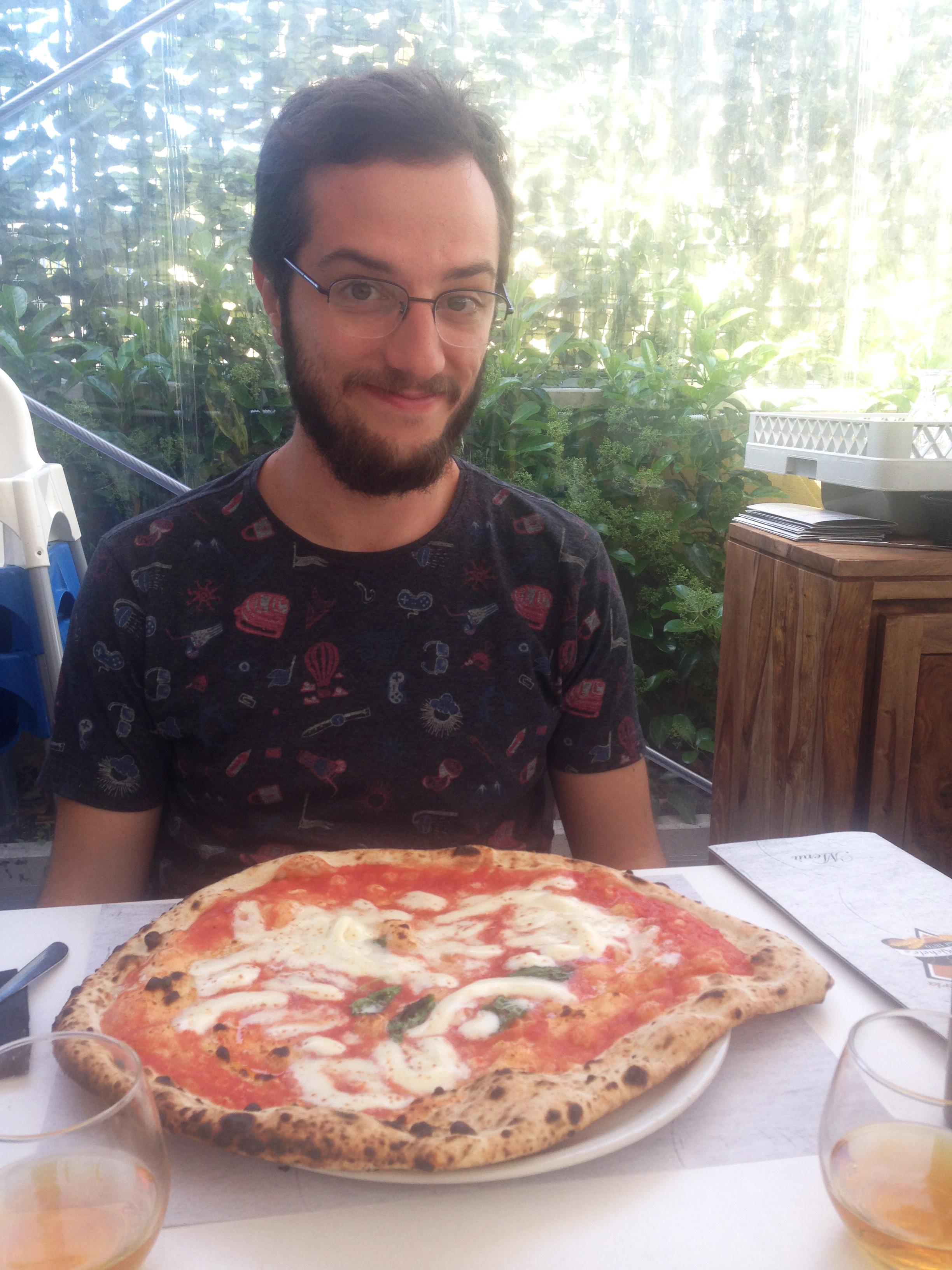 Pizza enorme da Pizzaria L'antica da Micheli